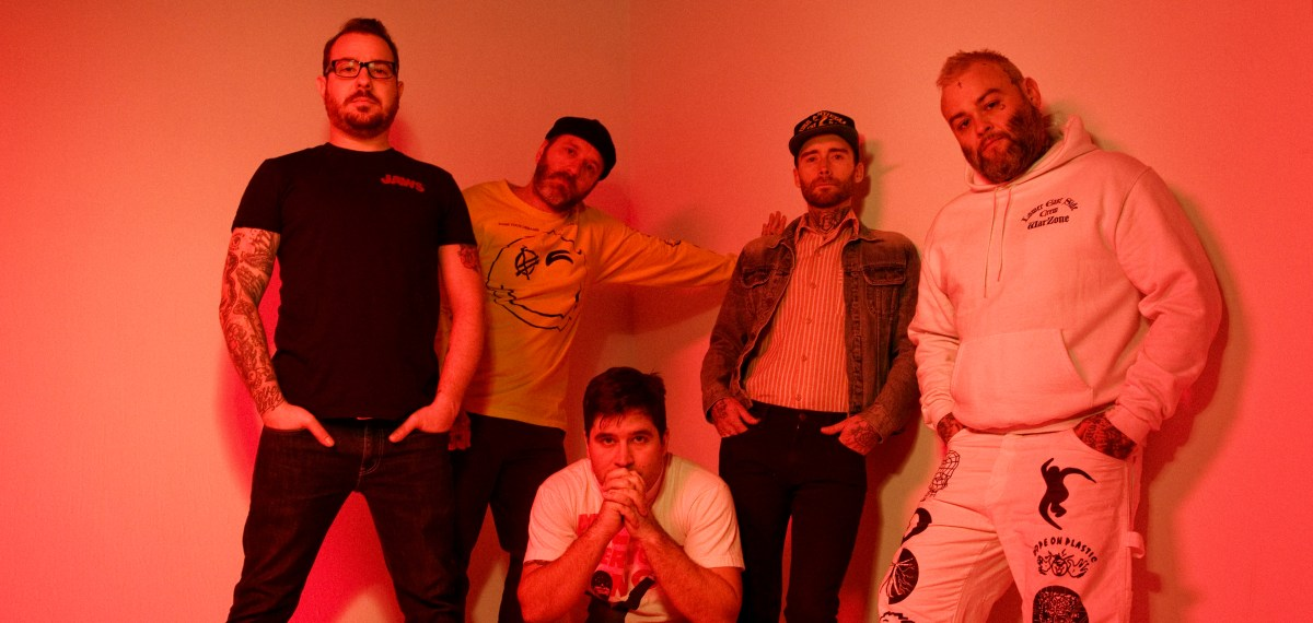 Alexisonfire Dropped A New Song Called 'Complicit'